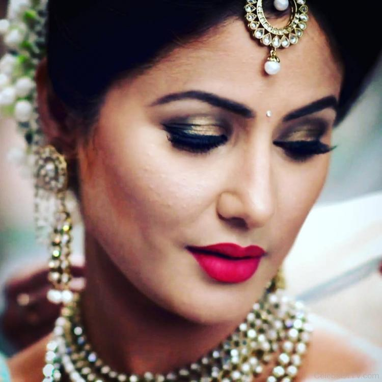 Hina Khan Gets Abused By Haters As She Shares A Picture Of Her New