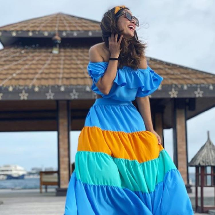 Hina Khan matches her outfit with Maldivian blues as she looks breathtakingly gorgeous in her vacation photos