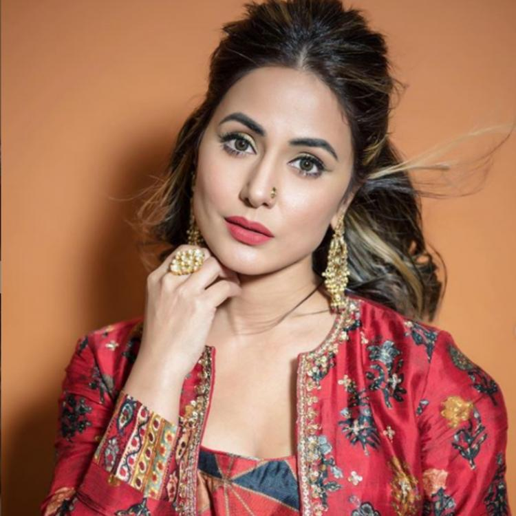Hina Khan leaves us mesmerized with her traditional avatar as she poses for the camera; See PHOTOS