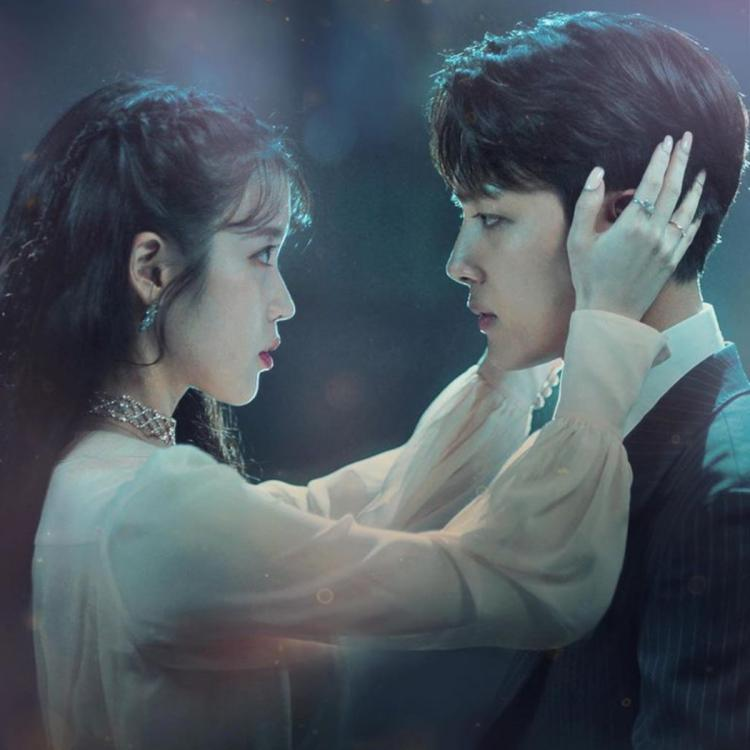 Hotel del Luna was directed by Oh Choong-hwan and written by Hong Jung-eun and Hong Mi-ran.