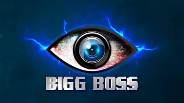 Check out  the hot and spicy love stories of Bigg Boss