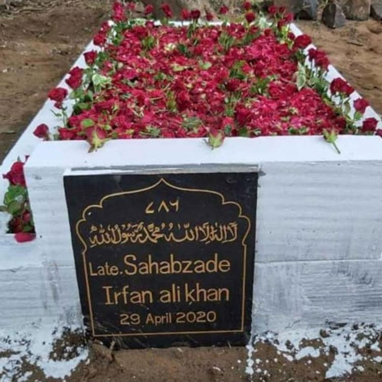 Irrfan Khan's grave adorned with roses after Babil shared photos of an unkept tomb; Sandeep Ssingh shares pic