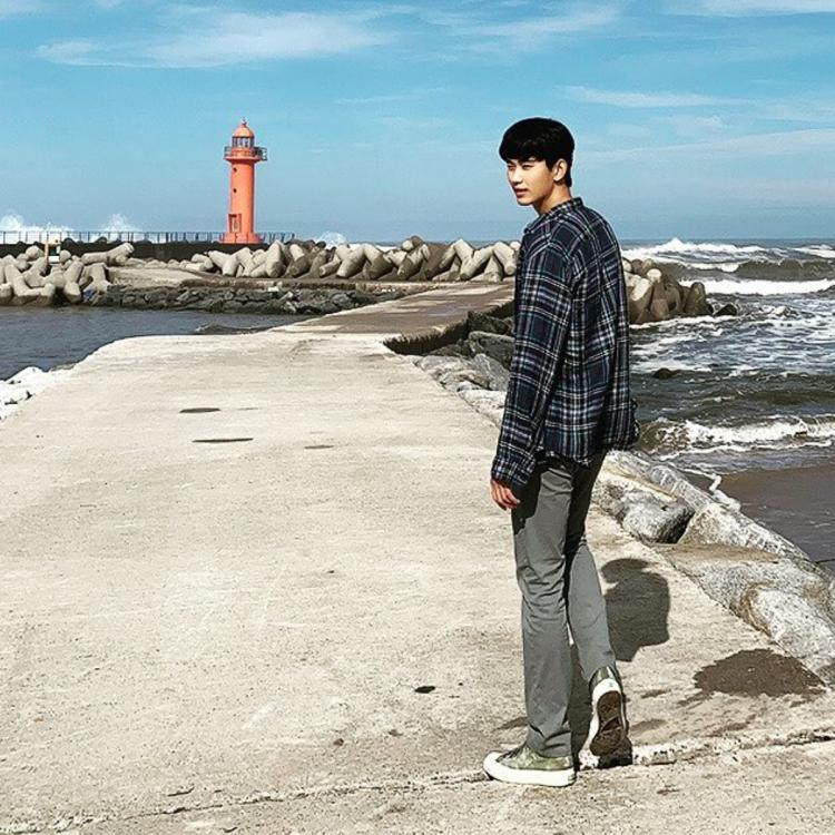 It's Okay To Not Be Okay Ep 9: Kim Soo Hyun gives a glimpse of his on screen trip with Seo Ye Ji; See Photos