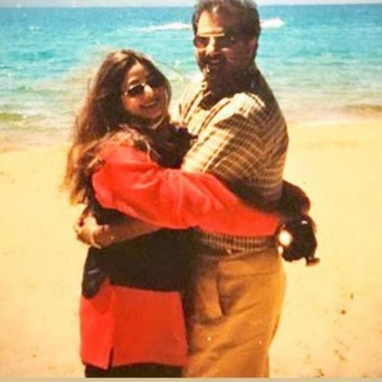 Janhvi Kapoor remembers mommy Sridevi; Shares a beautiful pic of the late actress with Boney Kapoor