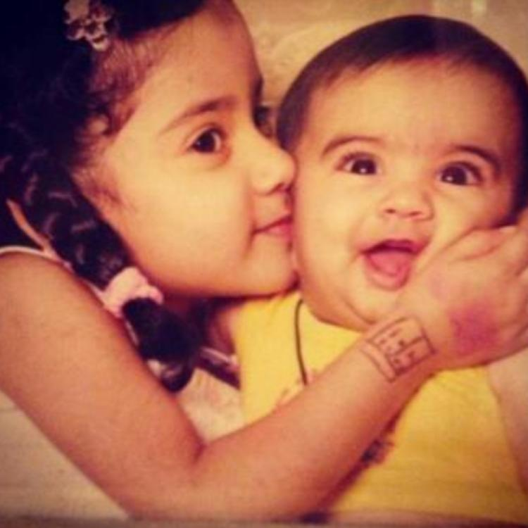 Janhvi Kapoor cuddling her sister Khushi in this adorable childhood picture makes for an endearing sight