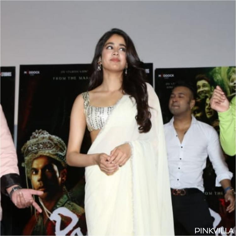 Janhvi Kapoor stuns in pretty saree as she shakes a leg on Panghat in Delhi for Roohi promotion; PICS & VIDEO