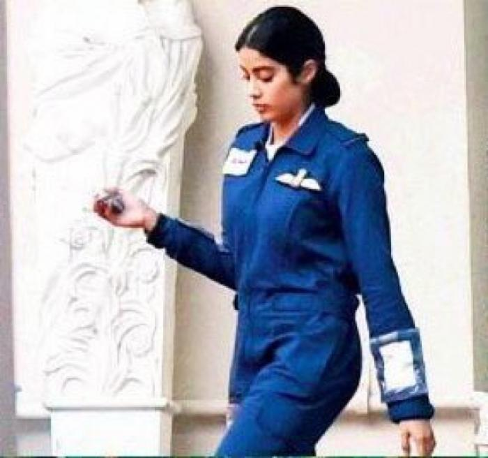 Janhvi Kapoor S Gunjan Saxena Biopic Shoot In Lucknow Was Called Off Due To Bad Weather Read More Pinkvilla