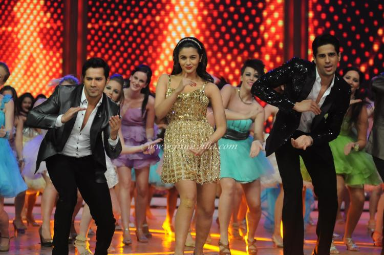 pictures video soty cast on the sets of jhalak dikhla