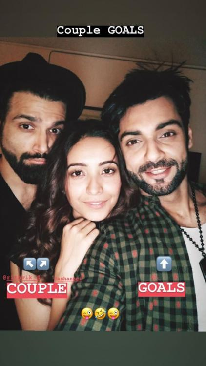 Karan Wahi's latest Instagram story with Rithvik Dhanjani and Asha Negi is relatable AF if you are SINGLE