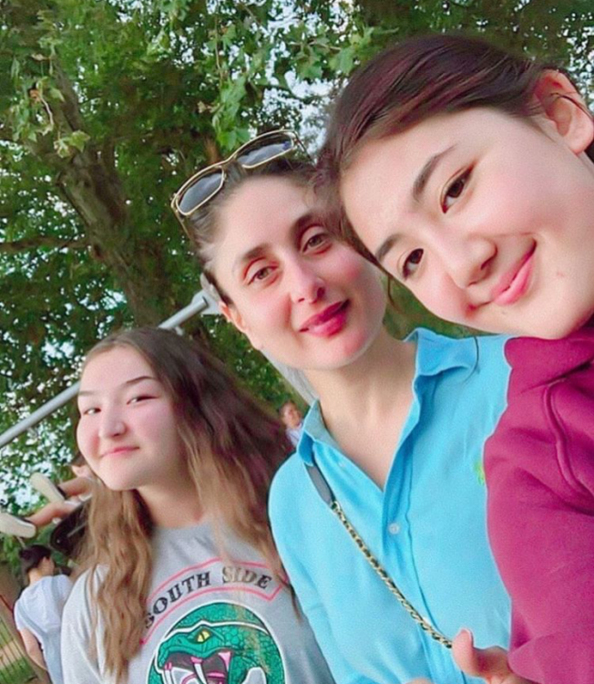Kareena Kapoor Khan poses for a selfie with fans in London but her no make up look is what wins our heart