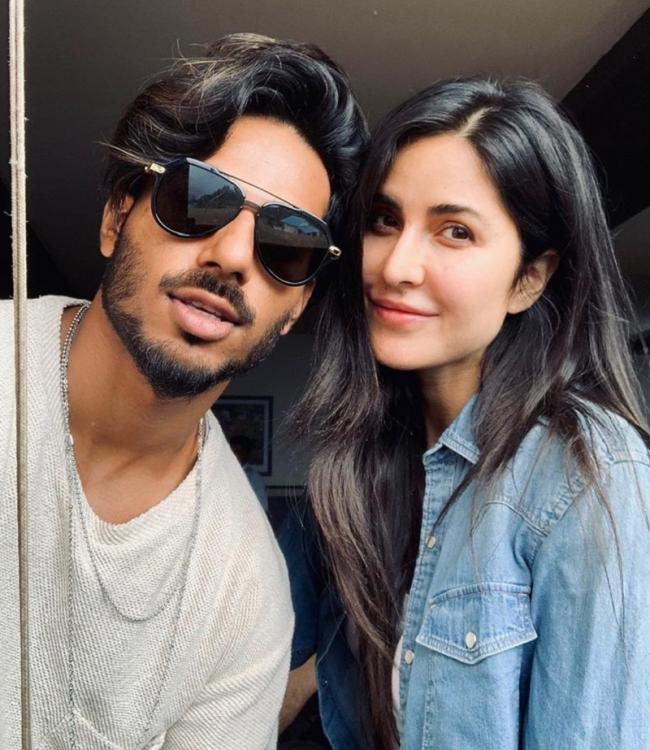 Katrina Kaif looks breathtakingly gorgeous in this selfie with her hairstylist; Check it out