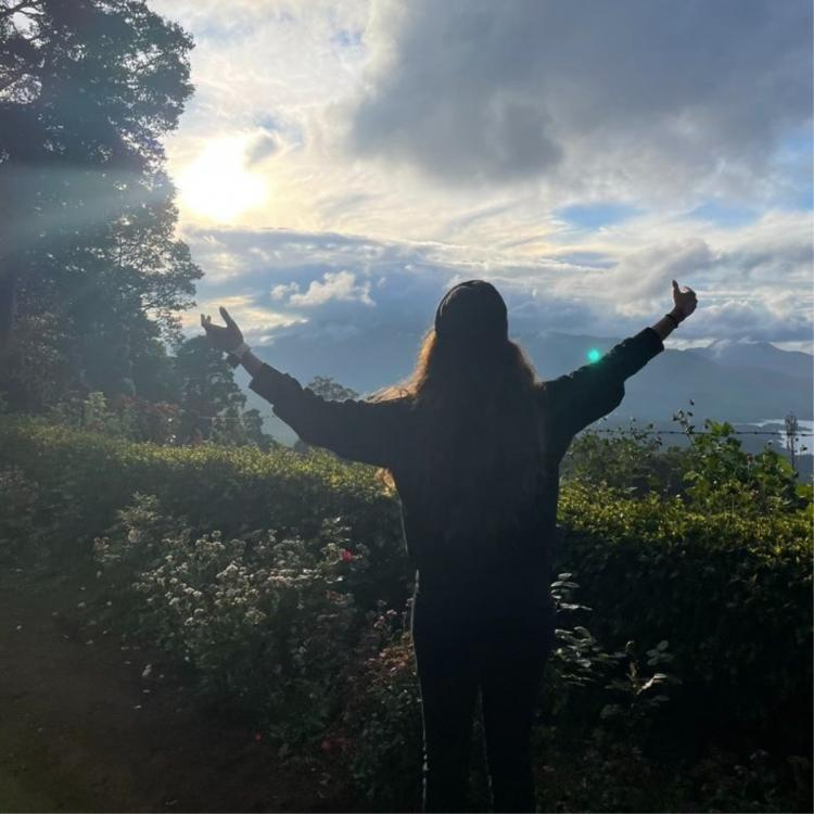 Keerthy Suresh shares sun kissed PHOTOS from her vacation; Welcomes 2021 with open arms