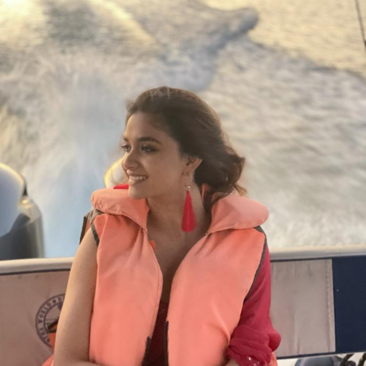 Keerthy Suresh's sun kissed PHOTOS from behind the sets of Rang De are unmissable; Take a look