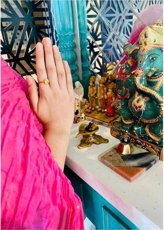 Kriti Sanon, Ankita Lokhande join #GlobalPrayersForSSR campaign as they pray with folded hands to seek justice