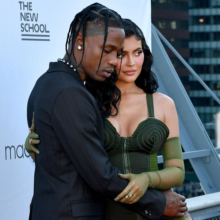 PHOTOS: Kylie Jenner & Travis Scott give 'back together' vibes in rare red  carpet appearance with Stormi   PINKVILLA