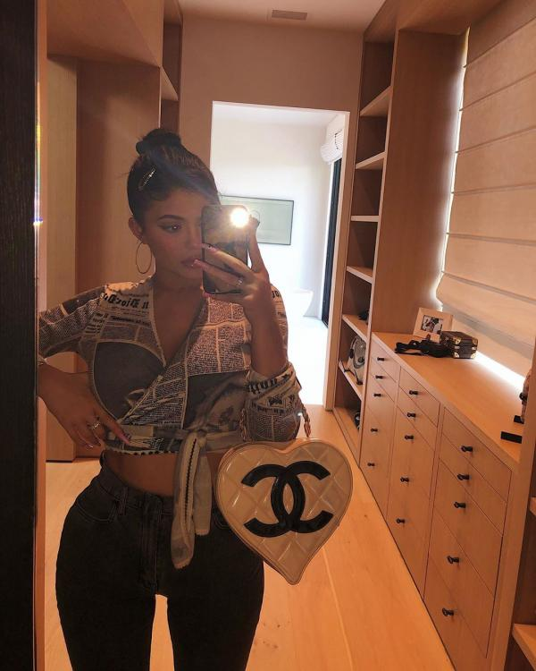 Kylie Jenner's classic vintage and super rate Chanel and Dior items costs a whopping USD 10K