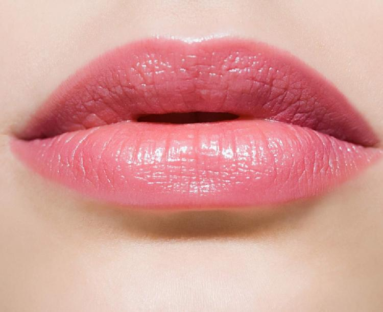 3 home remedies to keep your lips pink and healthy