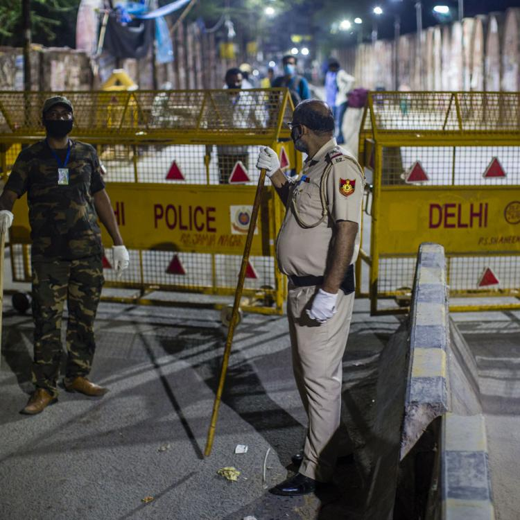 Government rubbishes reports of extending 21 day lockdown across India; Calls the rumour 'baseless'