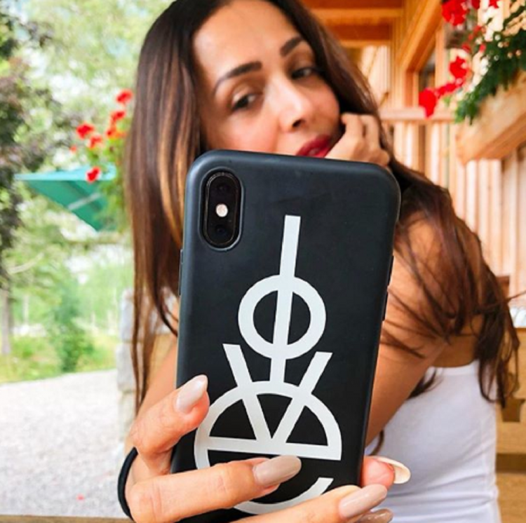 Malaika Arora shares another pic of herself from her recent Austria vacay with beau Arjun Kapoor; View post