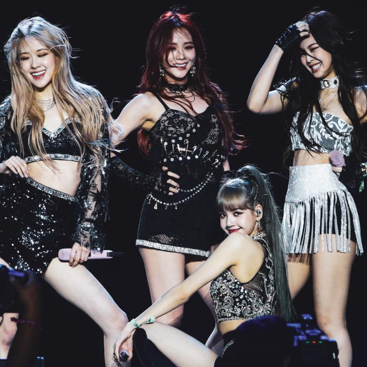 Make your own pizza & we'll tell which BLACKPINK member you're like