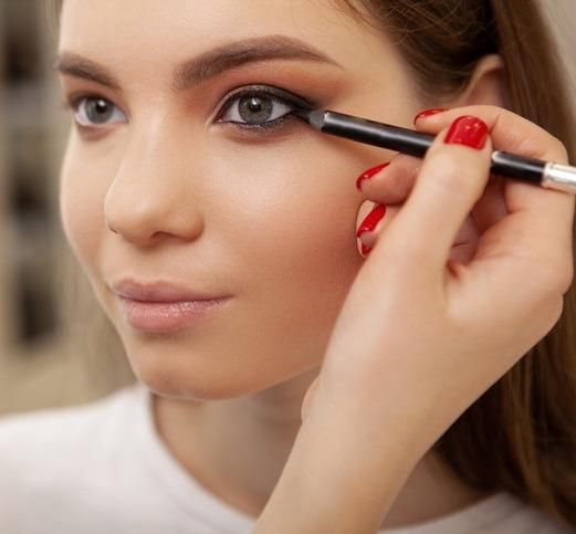 Makeup Hacks: Tightlining for bigger eyes; 3 Tips to do it like a PRO