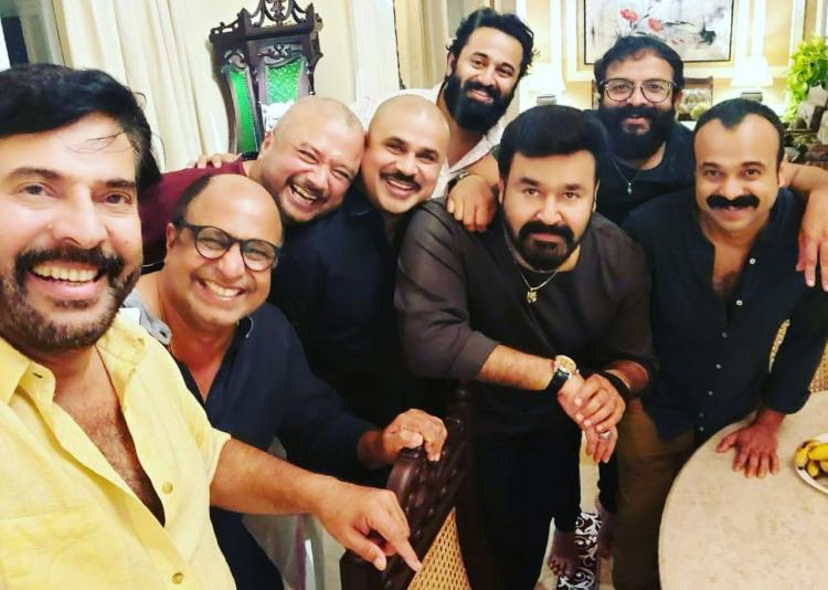 Mammootty, Mohanlal's selfie with their squad from a dinner party goes viral; Check it out