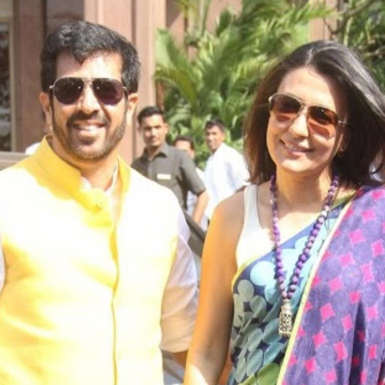 Mini Mathur gives back to troll asking about her financial status