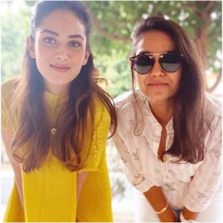 Mira Rajput with sister