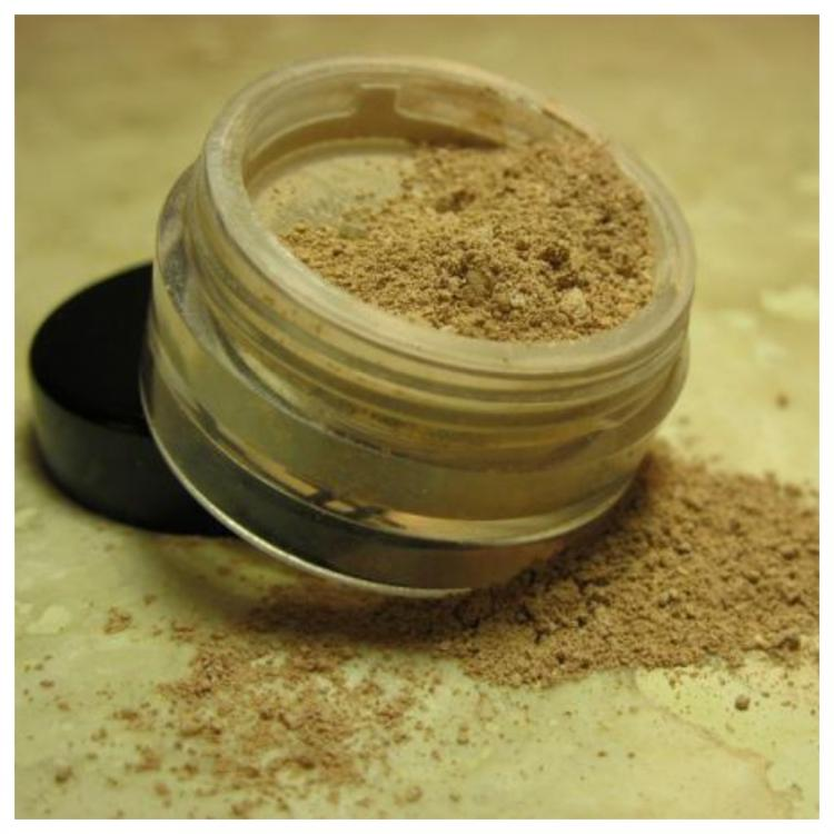 THESE are the 5 SURPRISING benefits of the famous Multani Mitti