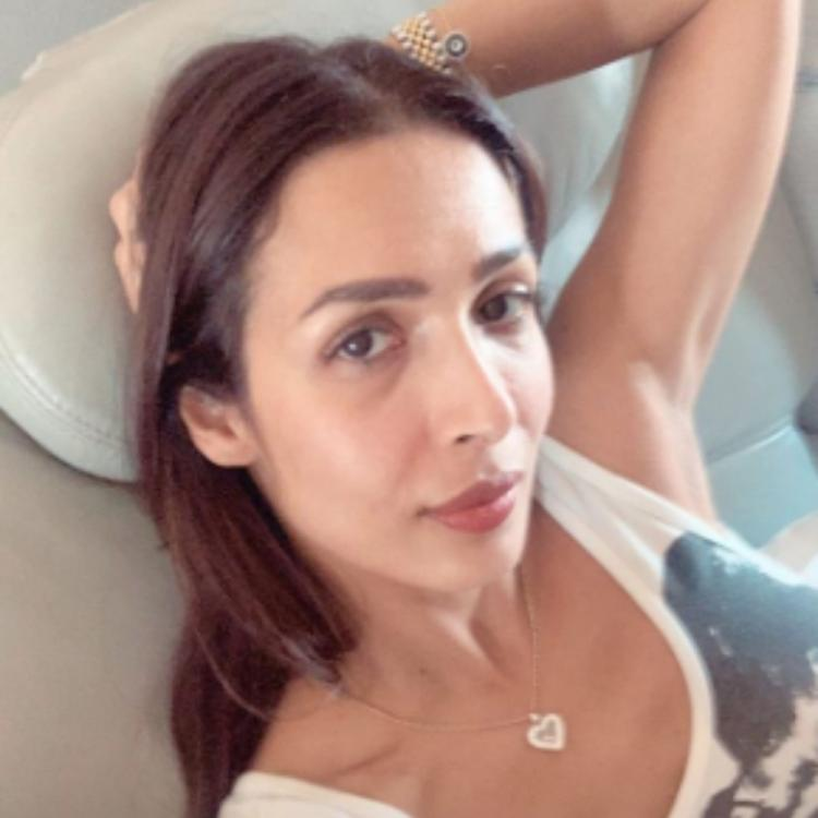 Malaika Arora drives away her Monday blues with a no makeup selfie; View PIC