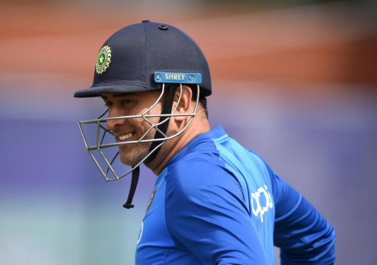 India vs New Zealand Semi Finals, ICC World Cup 2019: Twitter blows as fans wait for MS Dhoni to save the day