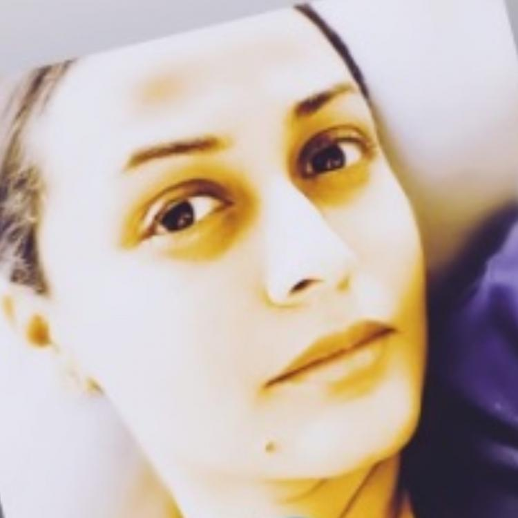 Namrata Shirodkar shares a stunning picture to express her current mood; Check it out