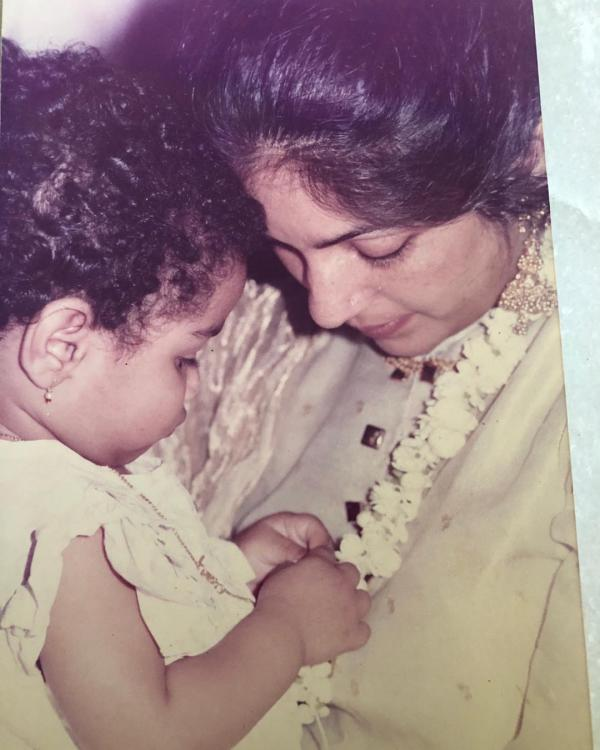 Neena Gupta's adorable throwback photo with daughter Masaba speaks volumes about their strong bond