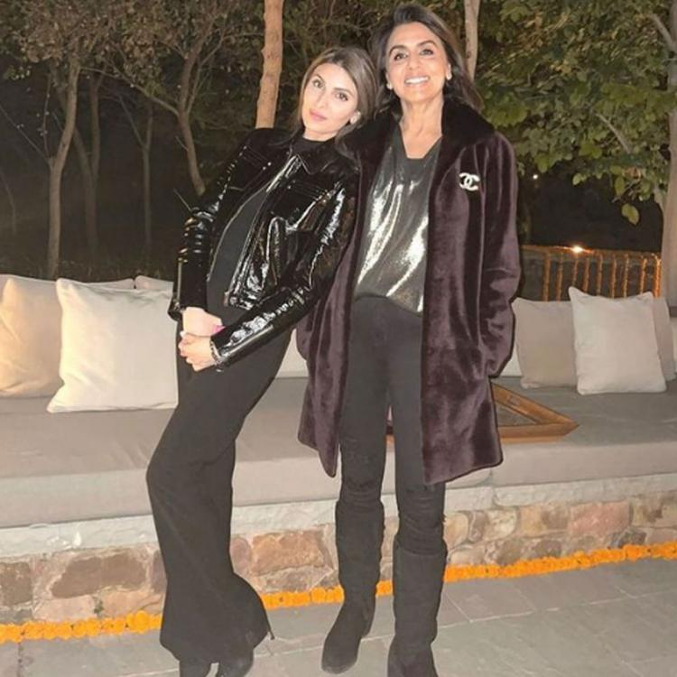 Neetu Kapoor strikes perfect pose with Riddhima as she extends New Year wishes; Hopes 2021 is fabulous for all