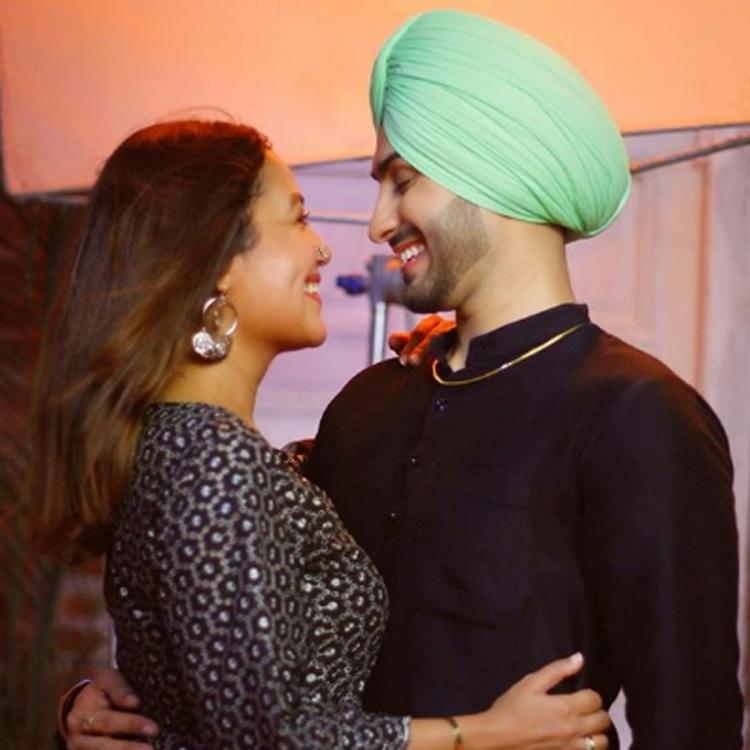 Neha Kakkar shares an adorable pic with rumoured beau Rohanpreet Singh; Calls it 'Love at first sight'