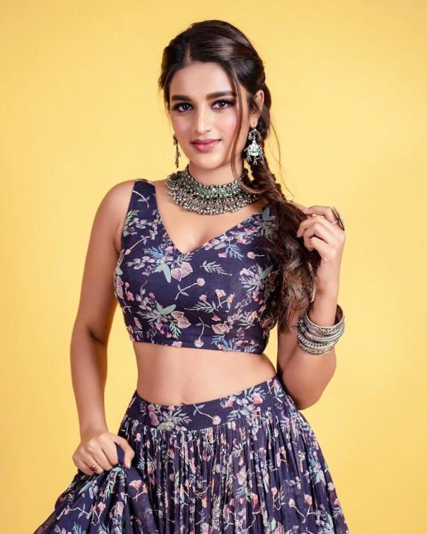 Nidhhi Agerwal discloses her equation with KL Rahul on a chat show
