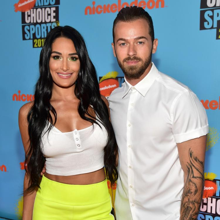 WWE,Nikki Bella,Artem Chigvintsev,Hollywood