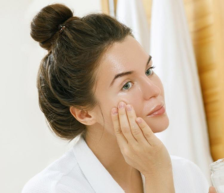Skincare: 5 natural home remedies to combat oily skin