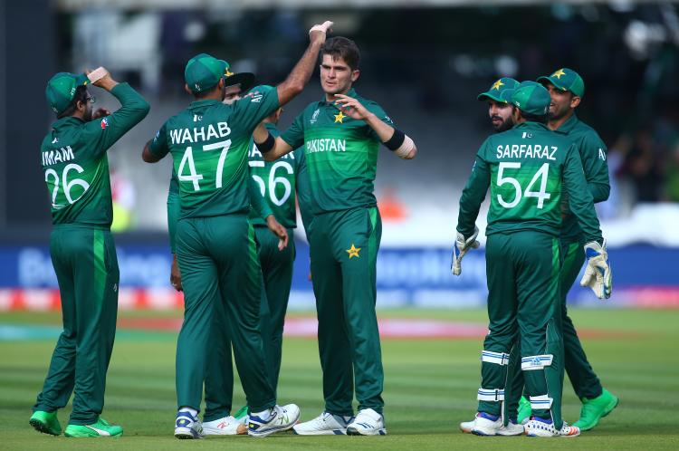 Shoaib Malik and Mohammad Hafeez miss out as Pakistan Cricket Board awards central contracts to 19 players