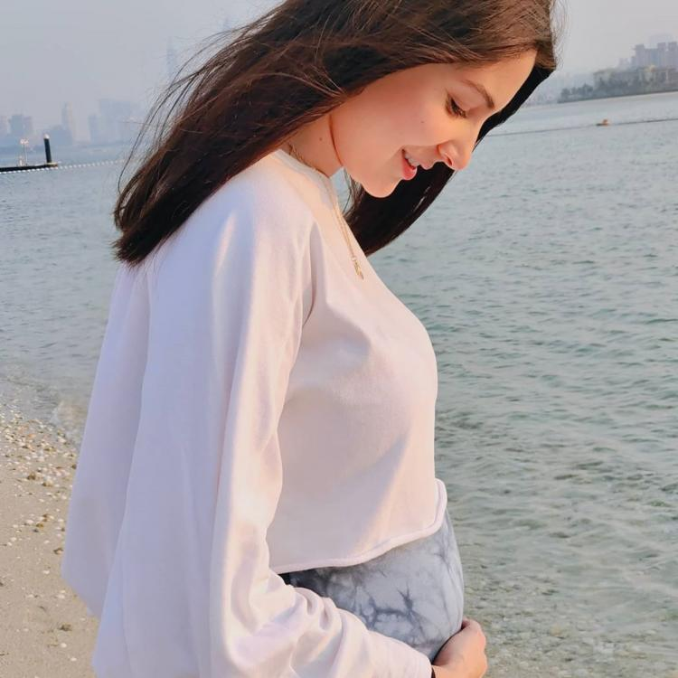 PHOTO: Pregnant Anushka Sharma feels 'experiencing creation of life' is humbling; Virat drops a sweet comment