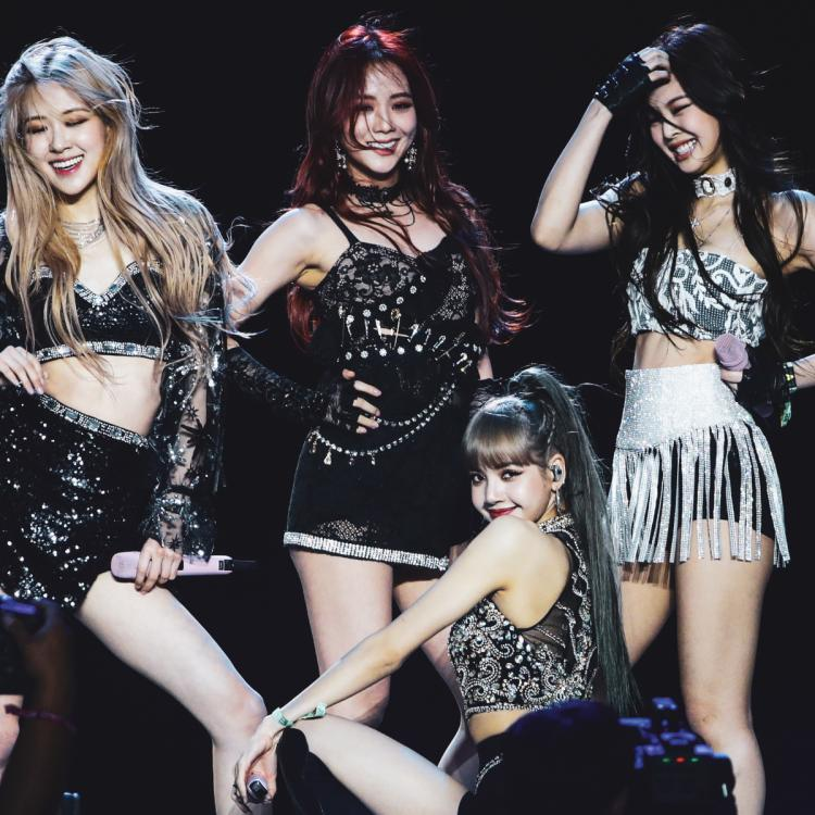 Pick some songs from the 90s & we'll tell which BLACKPINK member you're like