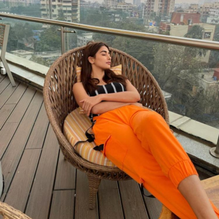 Pooja Hegde takes time off her busy schedule as she takes a quick afternoon nap; See PHOTO