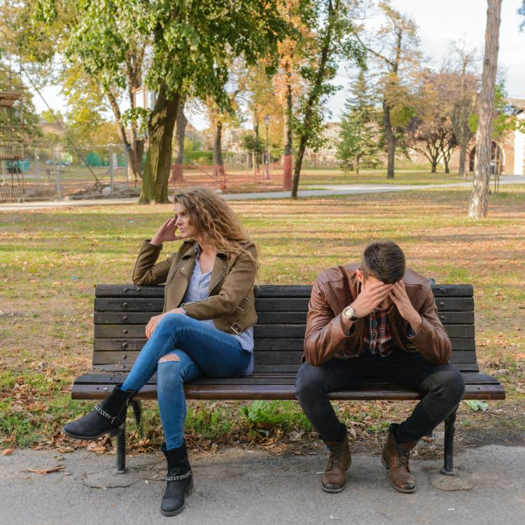 5 TELL TALE Signs that it's time to call it quits with your significant other
