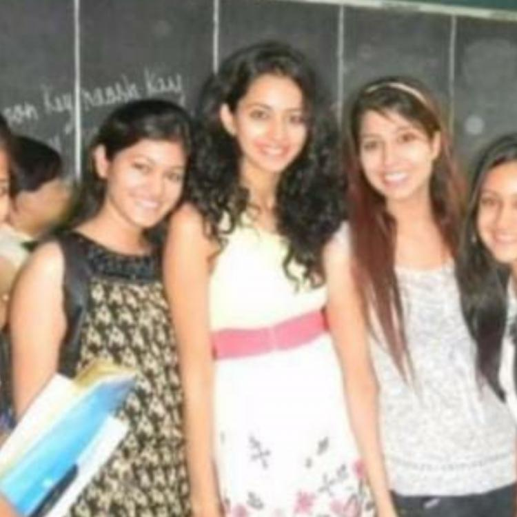 Rakul Preet Singh shares a major throwback moment with her girl gang from college days; See Pic