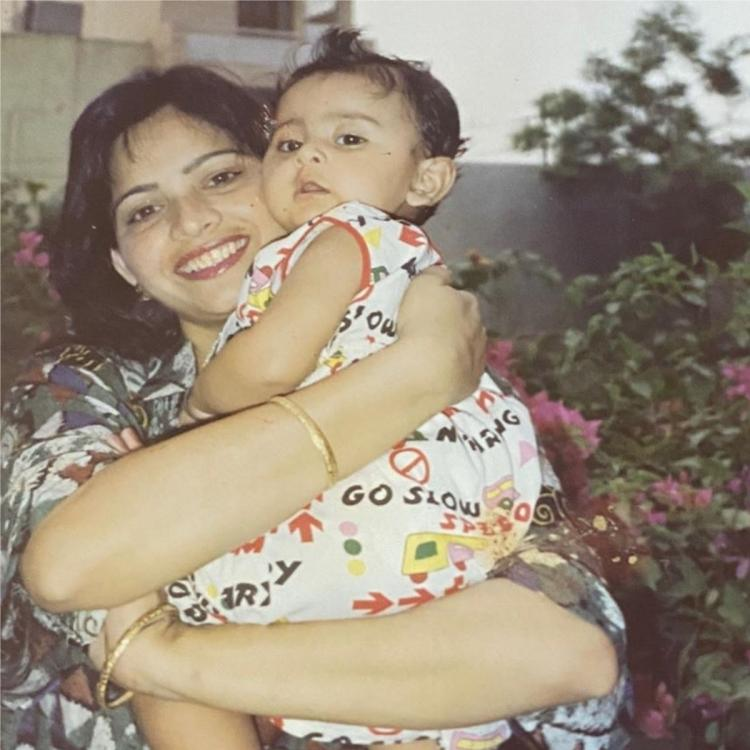 Rakul Preet Singh shares UNSEEN photos on her mother's birthday; Says she taught her to be independent, strong
