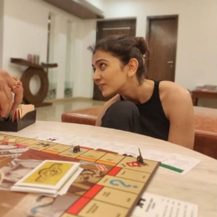 PHOTO: Rakul Preet Singh enjoys her quarantine time playing board games with family members