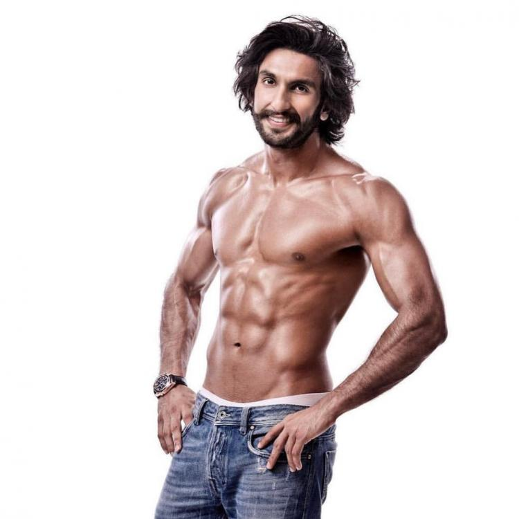 Ranveer Singh goes shirtless as he flaunts his abs and his oh-so-hot body |  PINKVILLA