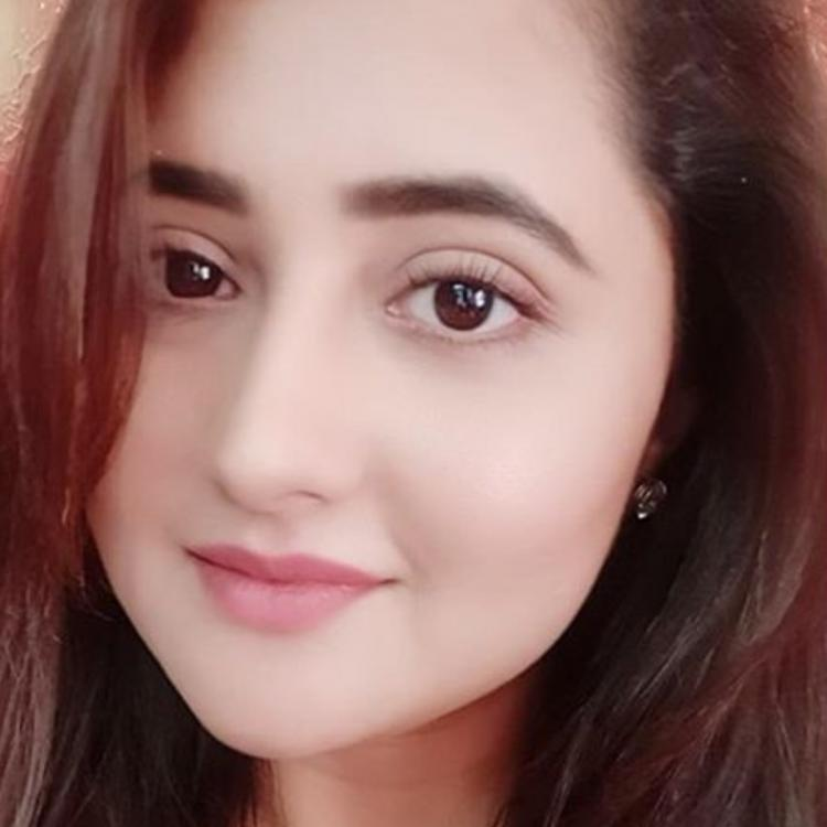 Rashami Desai shares an inspiring thought of the day; Says 'Care more for people who think about you'