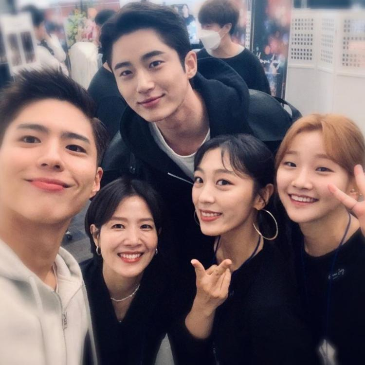Record of Youth: Park So Dam posts selfie with Park Bo Gum & Byun Woo Seok highlighting the trio's friendship