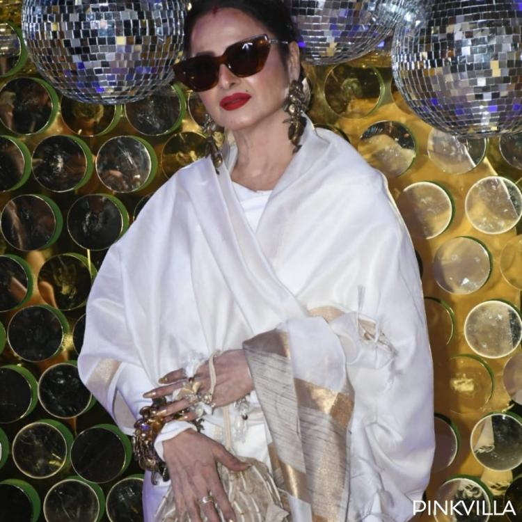 PHOTOS: Rekha looks gorgeous in a saree & steals the limelight at Daboo Ratnani's Calendar launch